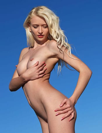 Hot pics of stunning blonde